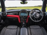 MINI Cooper D Hatch, 15 of 17
