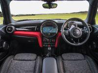 MINI Cooper D Hatch, 15 of 17