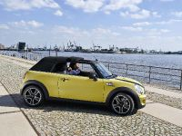 MINI Cooper S Convertible, 1 of 24