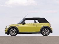 MINI Cooper S Convertible, 7 of 24