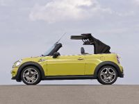 MINI Cooper S Convertible, 9 of 24