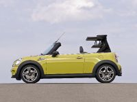 MINI Cooper S Convertible, 10 of 24