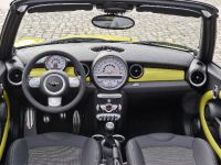 MINI Cooper S Convertible, 15 of 24