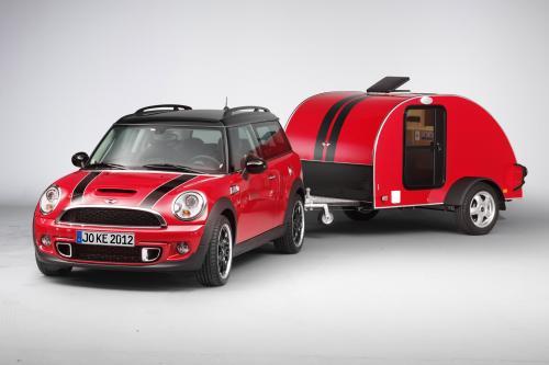 Мини-ходит в поход с MINI Cowley Caravan и мини-Суиндон крыше палатки
