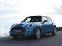 MINI Hardtop 4 Door, 2 of 5