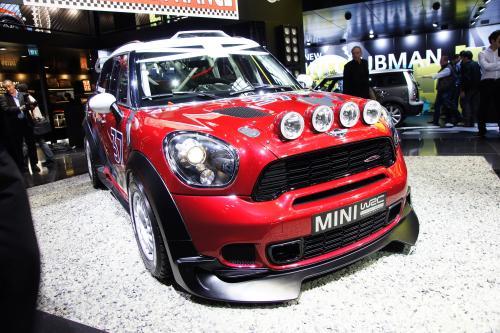 MINI Countryman WRC на мотор-шоу в Париже - много противотуманные фары