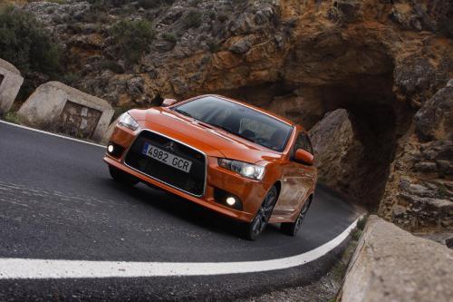 Mitsubishi Motors представила Lancer Sportback на Paris Motor Show