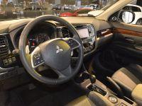 thumbnail image of Mitsubishi Outlander Los Angeles 2012