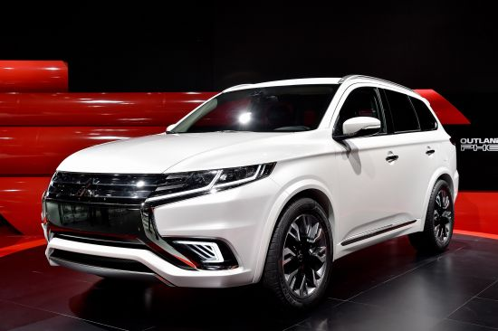 Mitsubishi Outlander PHEV Concept-S Paris