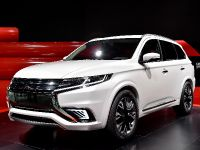 Mitsubishi Outlander PHEV Concept-S Paris 2014, 2 of 5