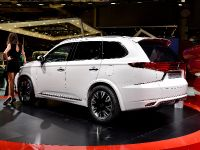 Mitsubishi Outlander PHEV Concept-S Paris 2014, 5 of 5