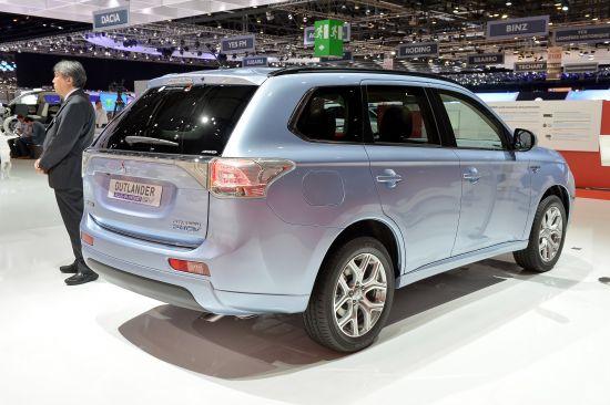 Mitsubishi Outlander PHEV Geneva
