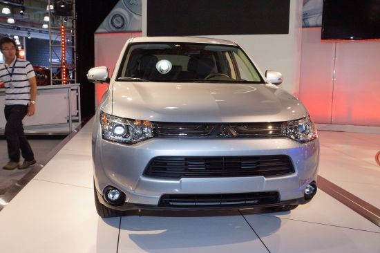 Mitsubishi Outlander PHEV New York