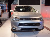 Mitsubishi Outlander PHEV New York 2013, 1 of 3