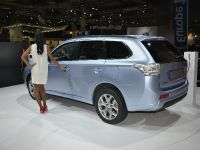 thumbnail image of Mitsubishi Outlander PHEV Paris 2012