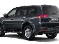 thumbnail image of Mitsubishi Pajero Sport SUV