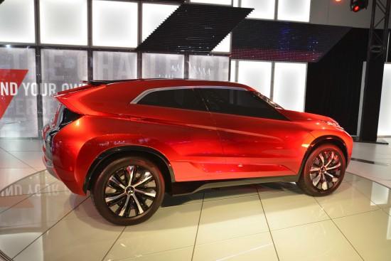 Mitsubishi XR-PHEV Los Angeles