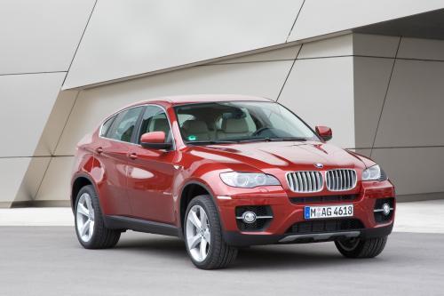 BMW объявляет цену за свой первый V8 Twin Turbo модель