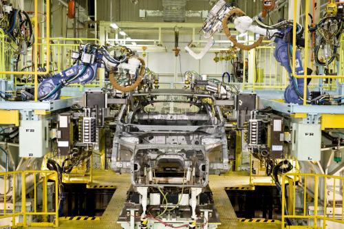 Начинается производство нового Honda FCX Clarity на топливных элементах автомобиля