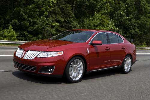 Ford s new 'active park assist' делает параллельная парковка ветер для Lincoln MKT и MKS владельцев