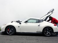 Nissan 370Z Nismo vs Wingsuit, 5 of 14