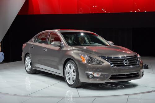 Напоминание: в 2013 году Nissan Altima ли 38 mpg