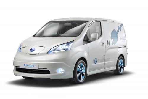 "Nissan e-NV200 и NV200 London Taxi "" на Commercial Vehicle Show"