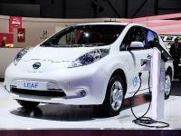 thumbnail image of Nissan e-NV200 Geneva 2014