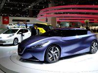 thumbnail image of Nissan Friend-ME Concept Frankfurt 2013