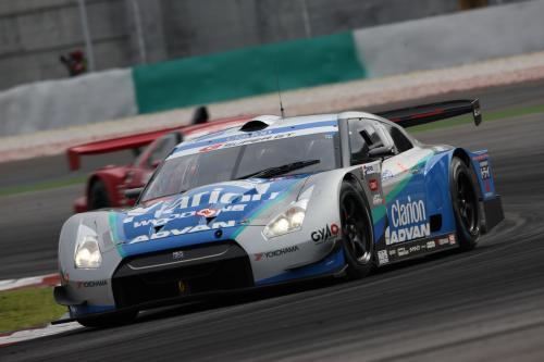 NISSAN GT-R шагов за третью победу в сезоне