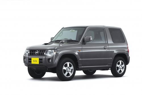 """Nissan добавляет \"""" Kix \"""" Малолитражка портфеля"""