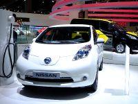 thumbnail image of Nissan Leaf Frankfurt 2013