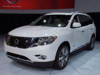Nissan Pathfinder Hybrid New York 2013