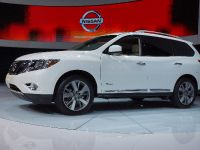Nissan Pathfinder Hybrid New York 2013