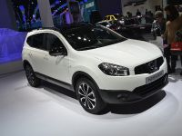 thumbnail image of Nissan Qashqai+2 Paris 2012