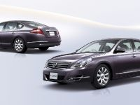 Nissan Teana Luxury Sedan, 3 of 10