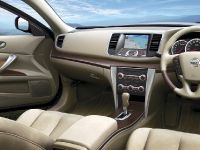 Nissan Teana Luxury Sedan, 6 of 10
