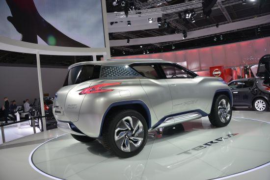 Nissan TeRRA Paris