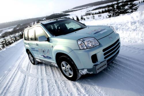 Nissan начинает тестирование автомобилей новых топливных технологий