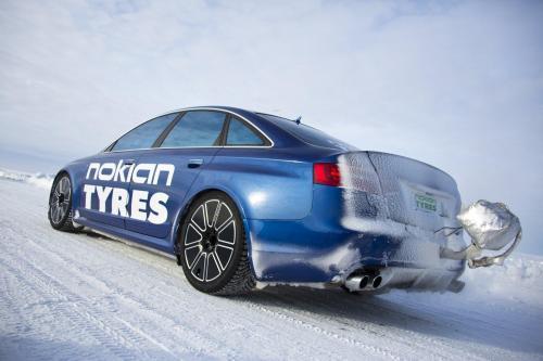 Nokian Tyres Audi RS6 - 335.7 км/ч на льду [видео]