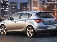 Opel Astra 2010, 6 of 25