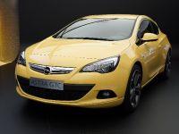 thumbnail image of Opel Astra GTC Frankfurt 2011