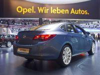 Opel Astra Sedan Moscow 2012