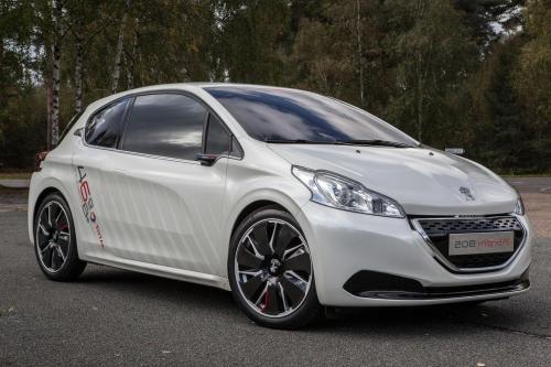 Peugeot 208 гибридный FE концепции [видео]