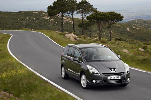 Peugeot 5008 - Новый Компактный Перевозчик Люди