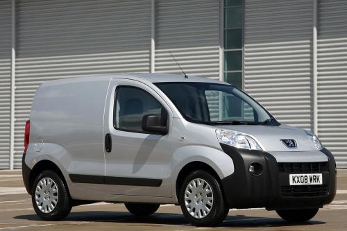 """Peugeot Bipper Ван награжден флота мирового \"""" лучший фургон года \"""" награду"""
