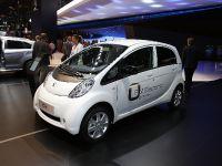 thumbnail image of Peugeot iOn Paris 2012