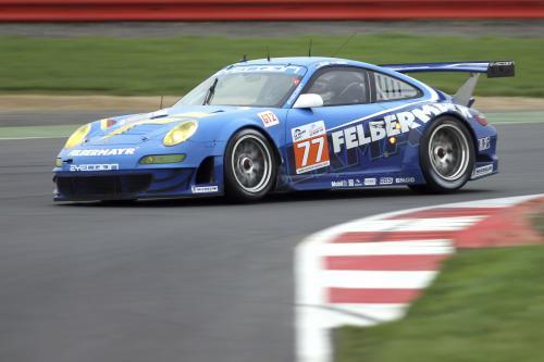 Porsche 911 Le Mans в Сильверстоуне