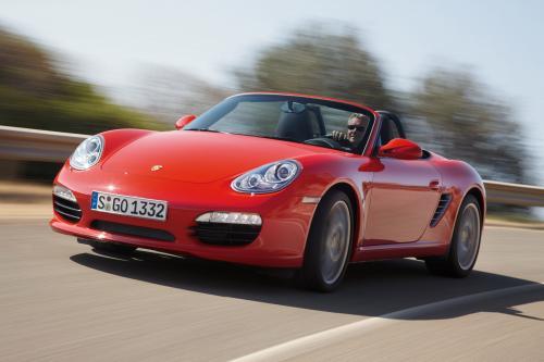 Porsche середине двигателя спортивных автомобилей новых, еще более экономичных двигателей