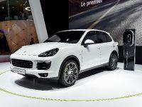 thumbnail image of Porsche Cayenne S e-Hybrid Paris 2014
